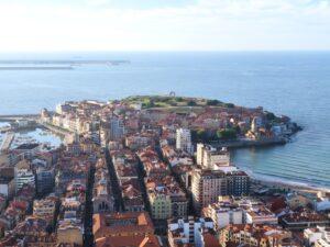 Foto de Cimavilla en Gijón desde nuestro globo